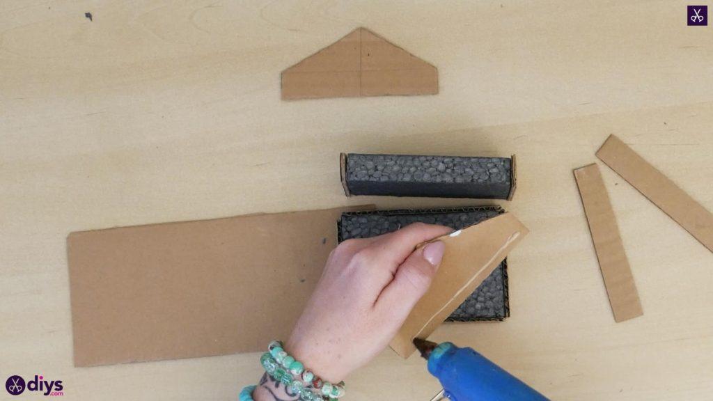 Pièce maîtresse de cage miniature DIY étape 5m