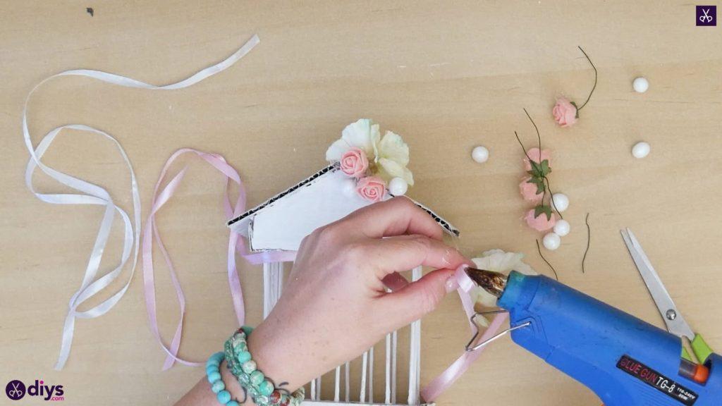 Pièce maîtresse de cage miniature DIY étape 10h
