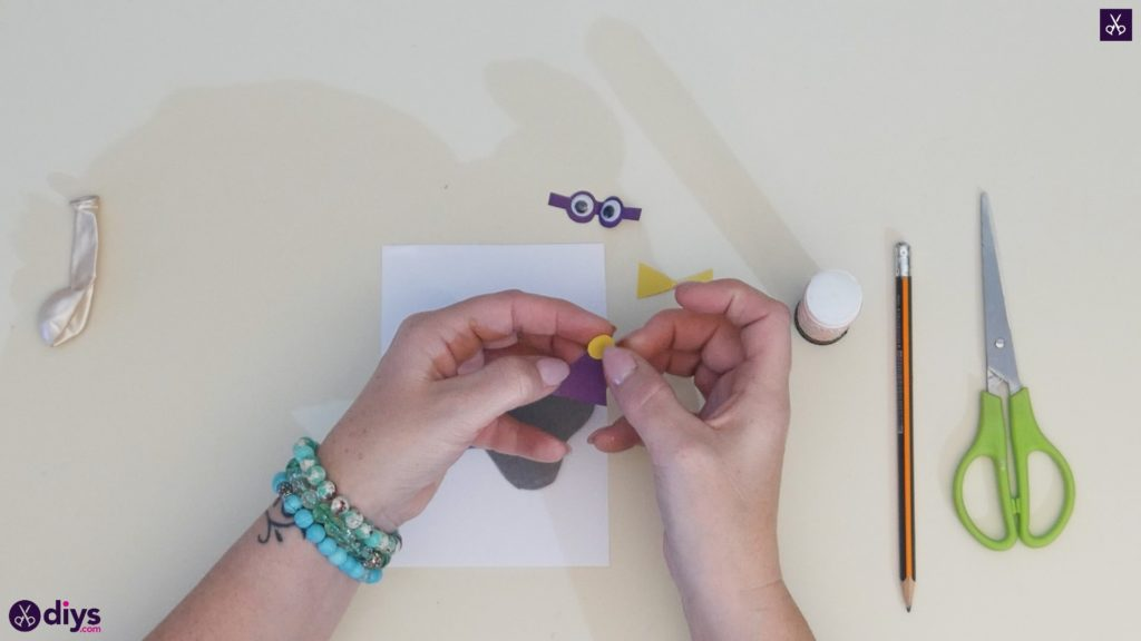 Carte d'éléphant ballon bricolage étape 8