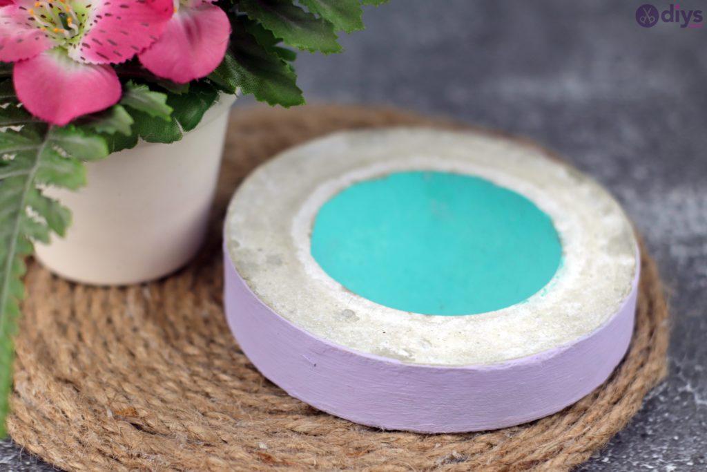 Petit bol en béton bricolage coloré