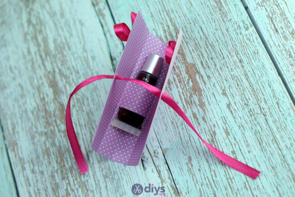 Carte cadeau bricolage rouge à lèvres simple à réaliser