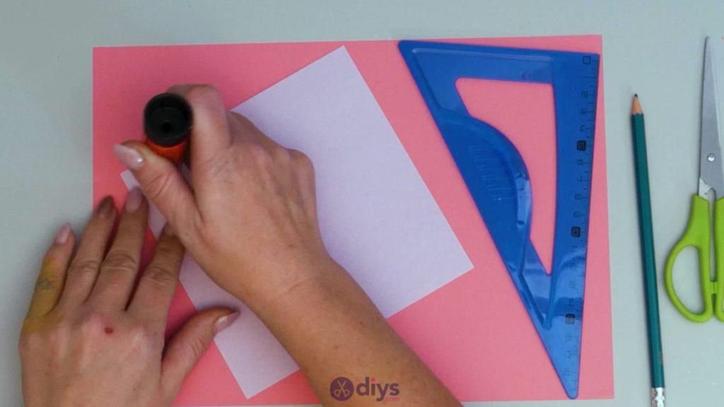 Carte cadeau bricolage rouge à lèvres étape 2