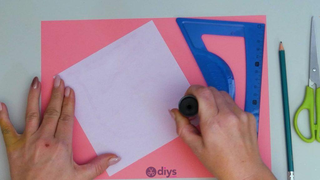 Carte cadeau bricolage rouge à lèvres étape 2a