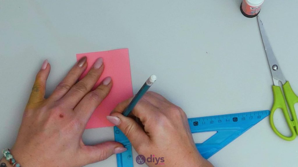 Carte cadeau bricolage rouge à lèvres étape 5c