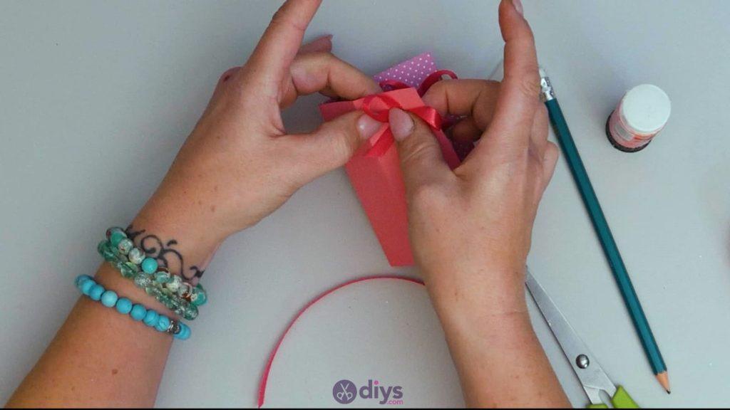 Carte cadeau bricolage rouge à lèvres étape 10a
