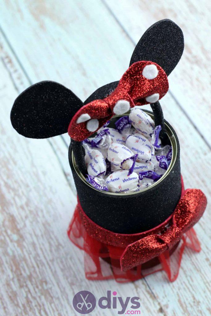 Boîte contenant une boîte de conserve Minnie Mouse
