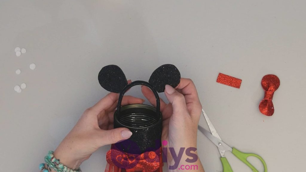 Boîte de conserve de Minnie Mouse conteneur étape 13