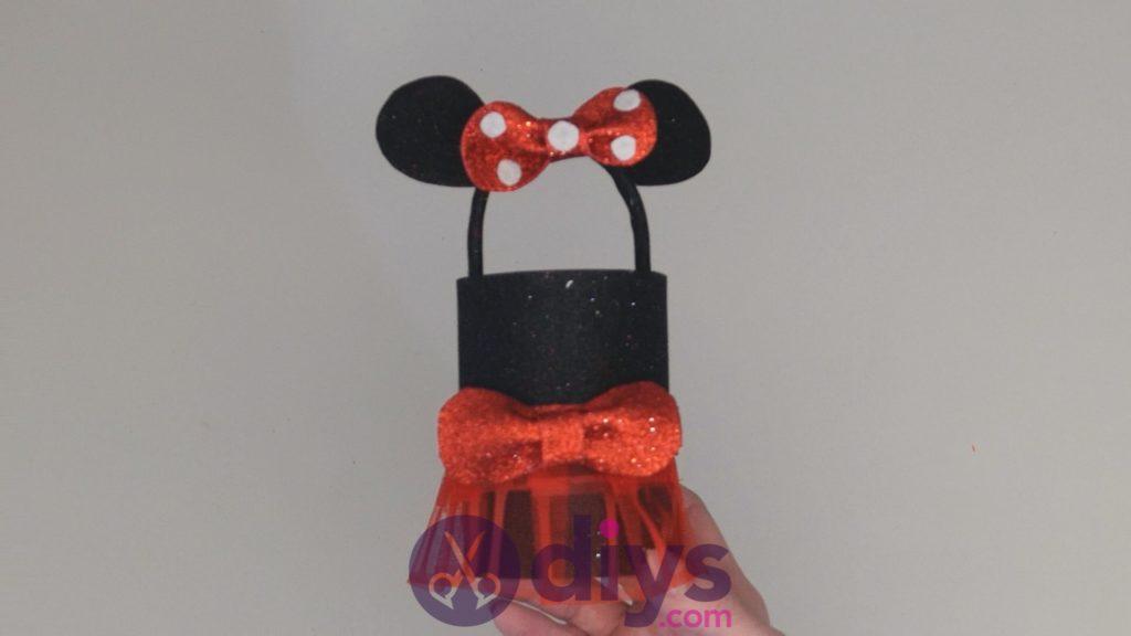 Boîte de conserve Minnie Mouse contenant l'étape 14ae