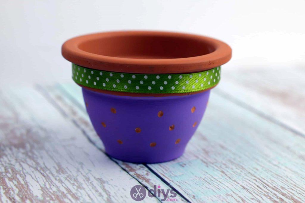 Pot de fleur coloré bricolage coloré