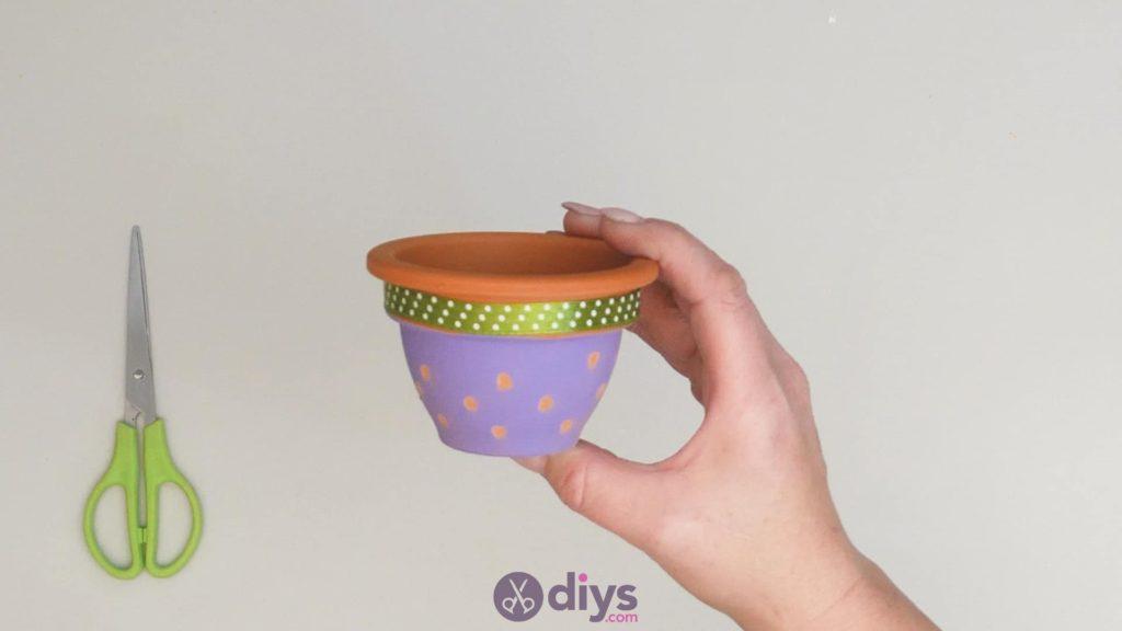 Pot de fleur coloré bricolage étape 3k