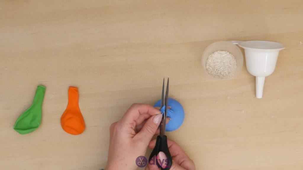 Balles de jonglage bricolage étape 3b