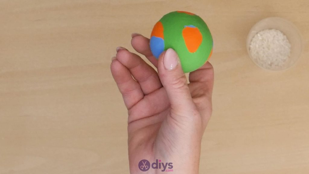 Balles de jonglage bricolage étape 6a