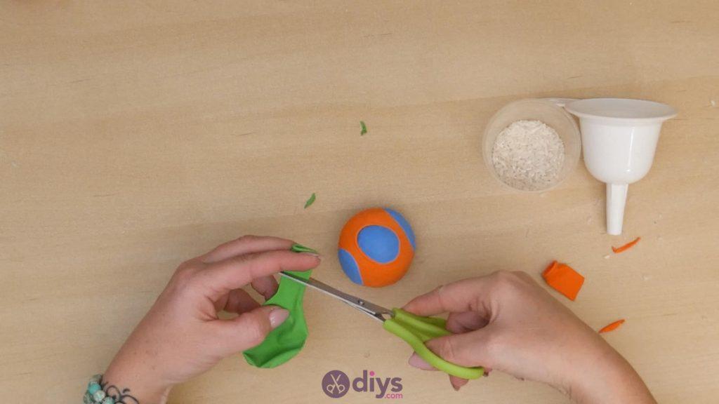Balles de jonglage bricolage étape 5