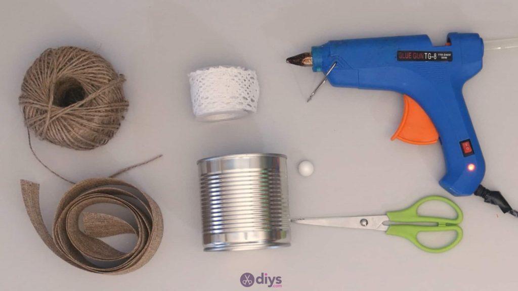 Boîte de conserve rustique bricolage contenant des matériaux