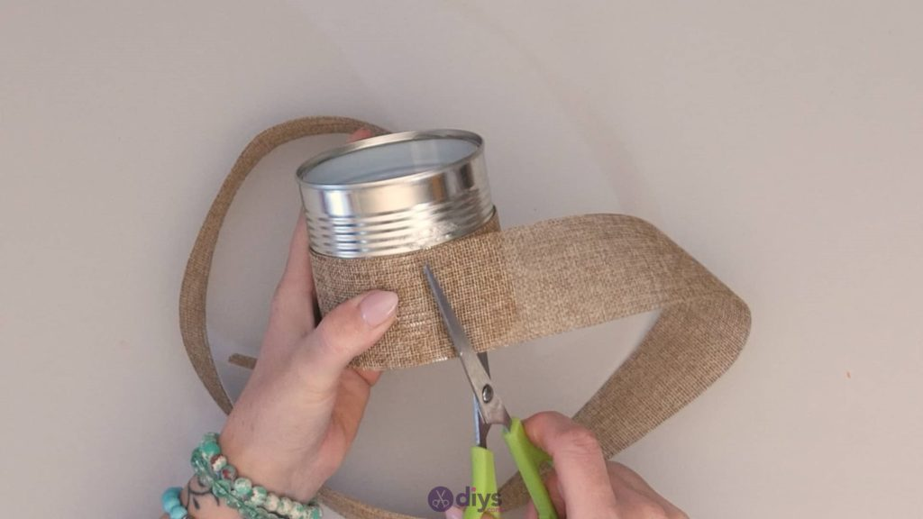 Boîte de conserve rustique bricolage ajouter de la toile de jute