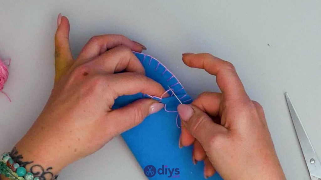 Étui à lunettes en feutre simple bricolage étape 9c