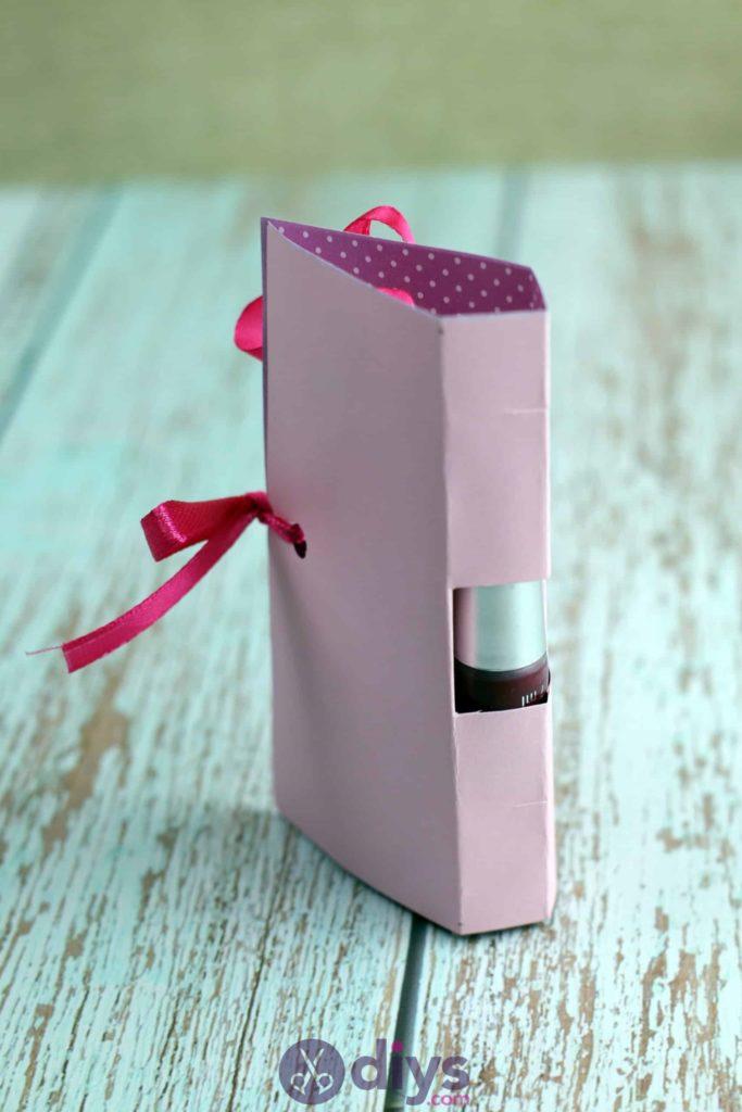 Carte cadeau bricolage rouge à lèvres étape 115