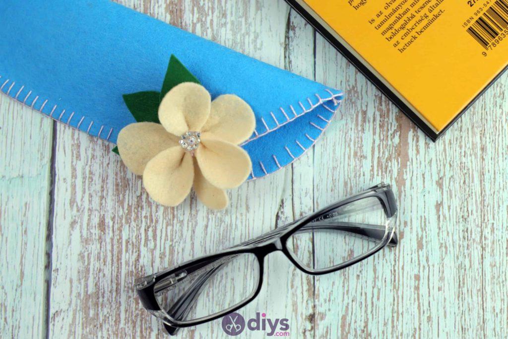 Étui à lunettes en feutre simple bricolage étape 10b