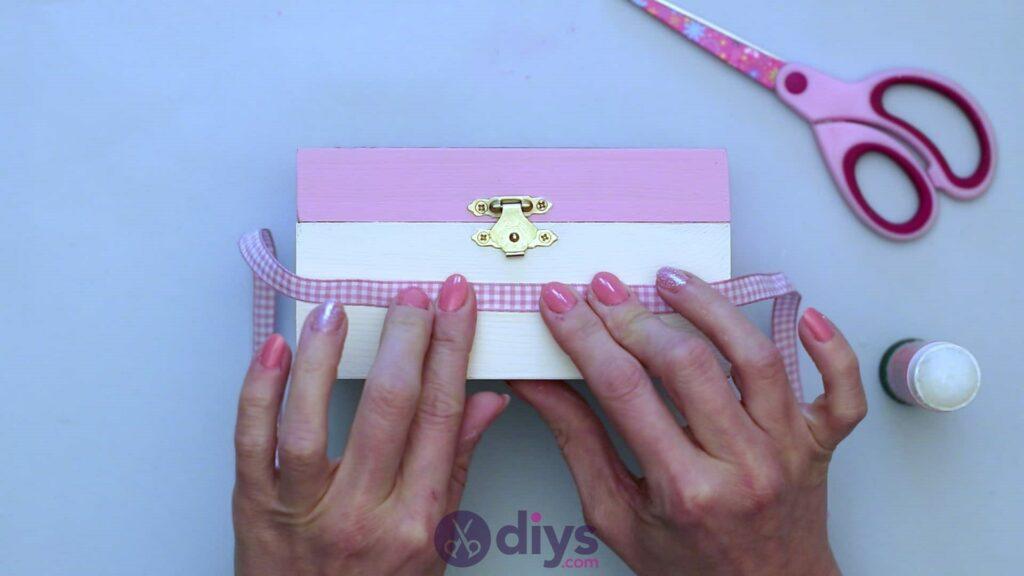 Découpage boîte à bijoux en bois étape 6b