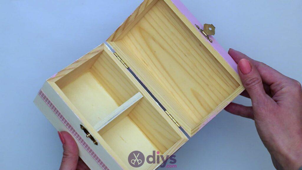 Découpage boîte à bijoux en bois étape 6i