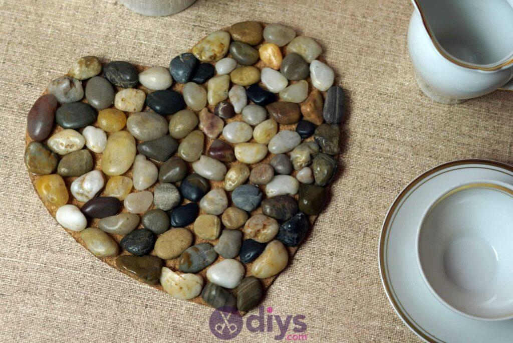 Sous-plaque de galets en forme de coeur simple