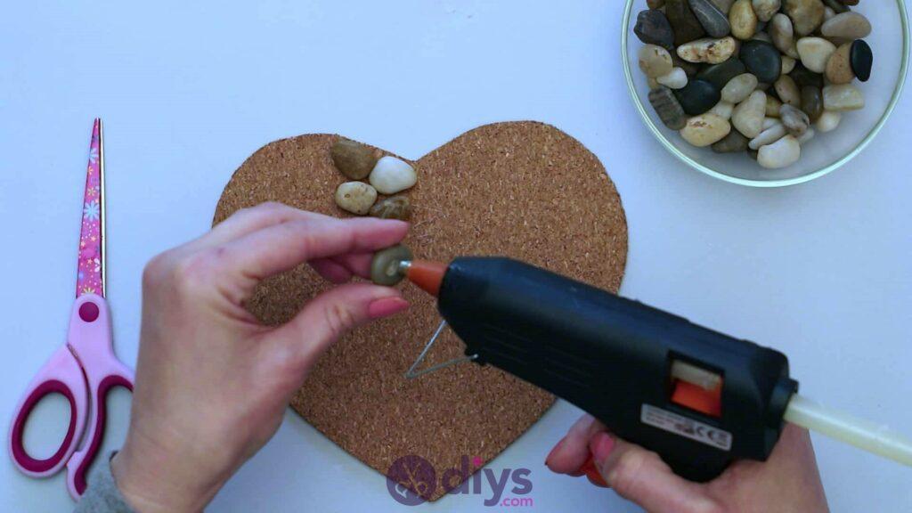 Sous-plaque de galets en forme de coeur étape 3g