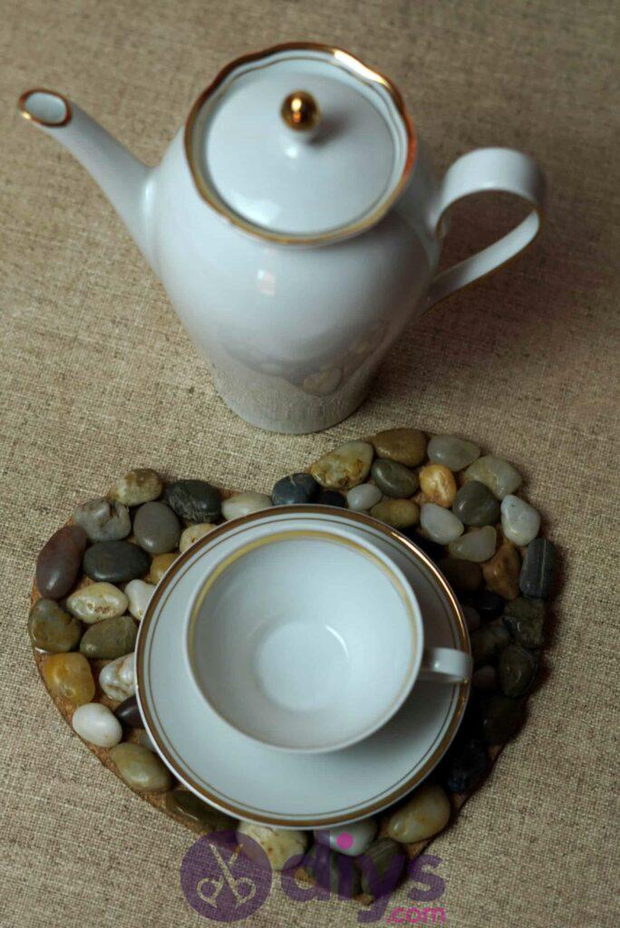 Sous-plaque de galets en forme de coeur étape 3 utilisation
