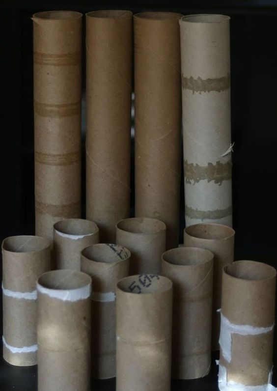 cours étape par étape pour faire des bougies avec des tubes en mousse et en carton