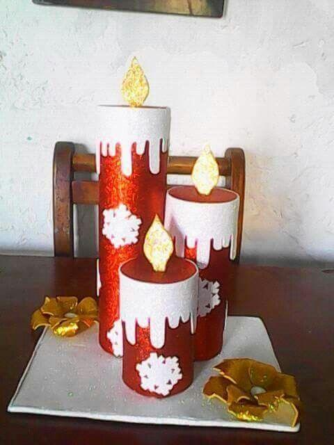 idées pour décorer de grandes bougies mousseuses de Noël
