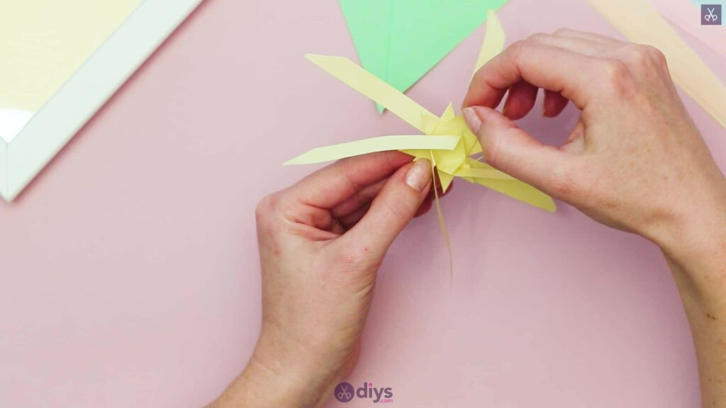 Diy origami flower art step 7a