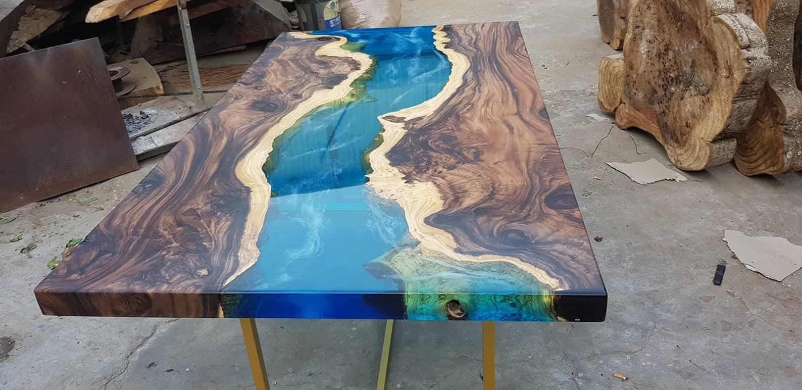 Table de rivière bleue séné siamea bois
