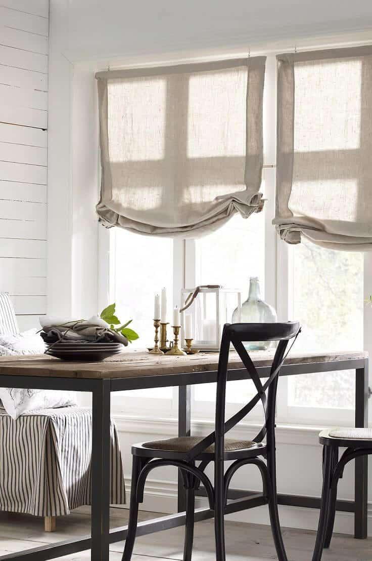 Rassembler des rideaux en toile naturelle