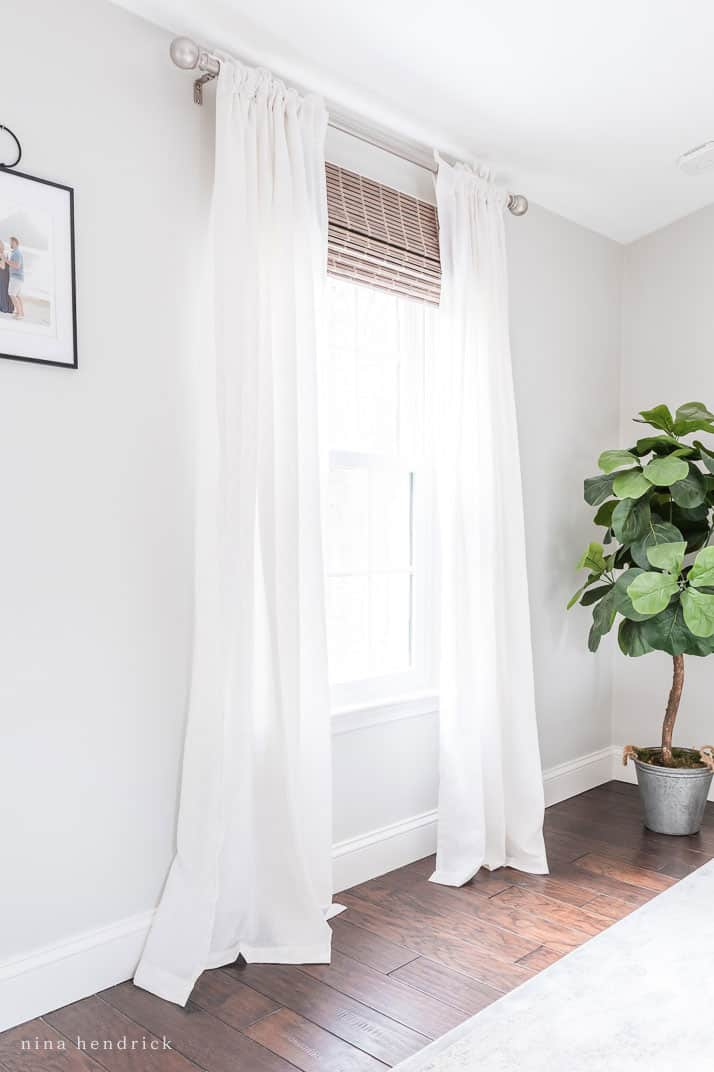 Rideau pare-soleil et rideaux en mousseline de soie pour fenêtre à moins de 50 $