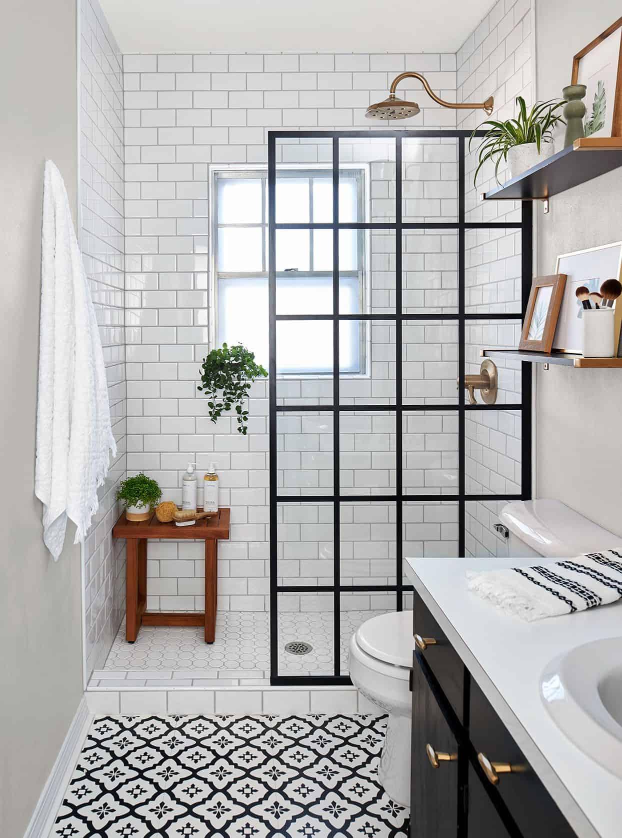 17 conseils pour économiser de l'argent afin d'allonger votre budget de rénovation de salle de bain