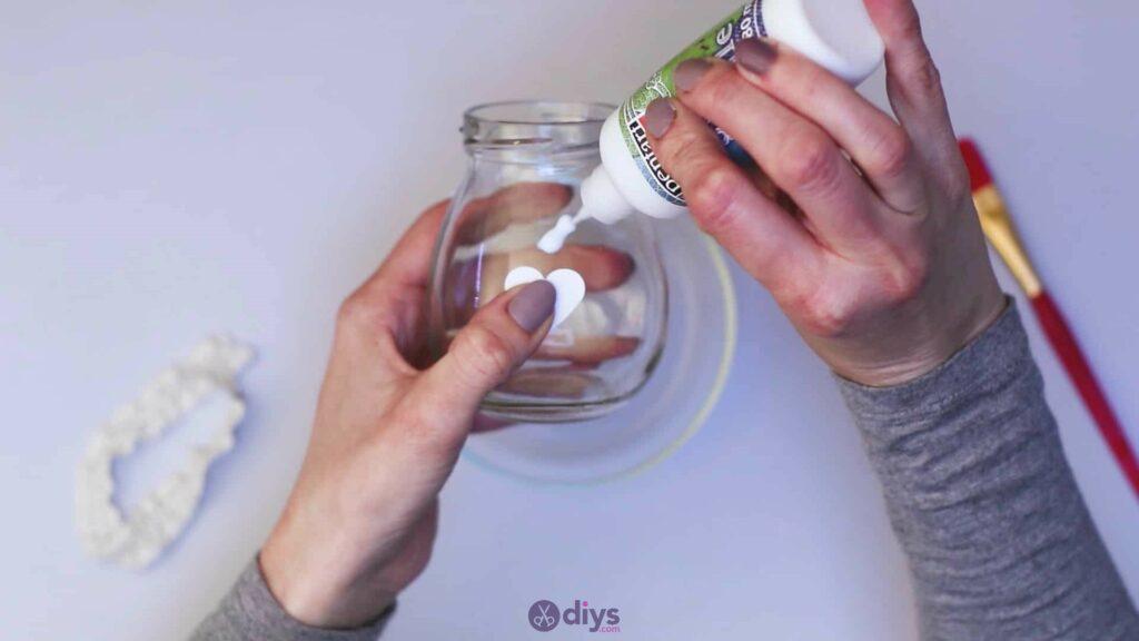 Vase à paillettes de fleurs bricolage à partir de bocaux en verre Étape 4