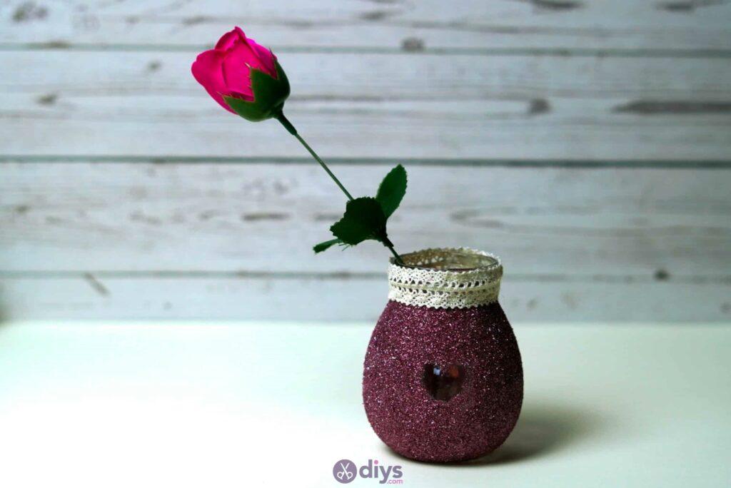 Vase à paillettes de fleurs de bricolage à partir de bocaux en verre