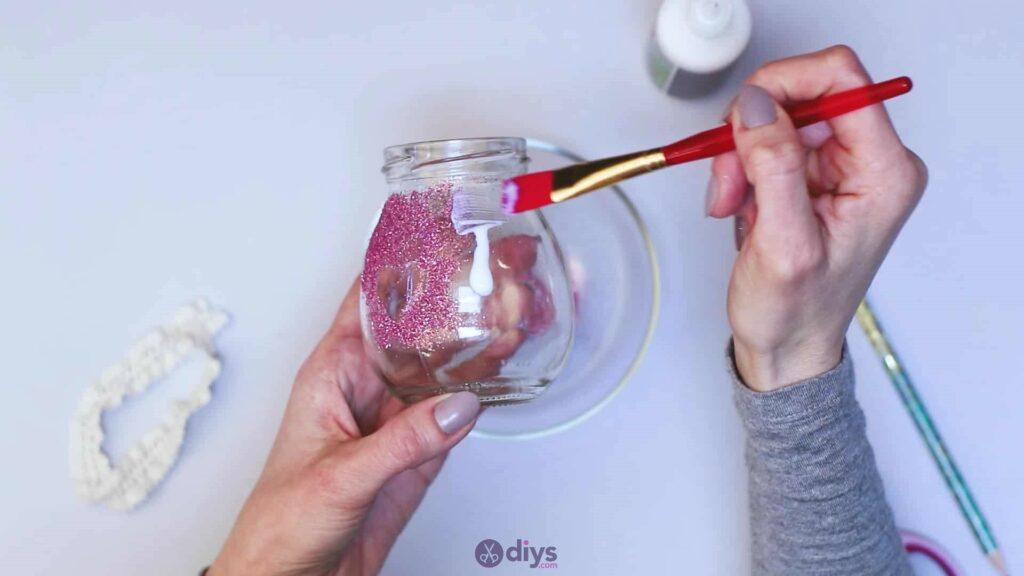 Vase à paillettes de fleurs bricolage à partir de bocaux en verre Étape 6a