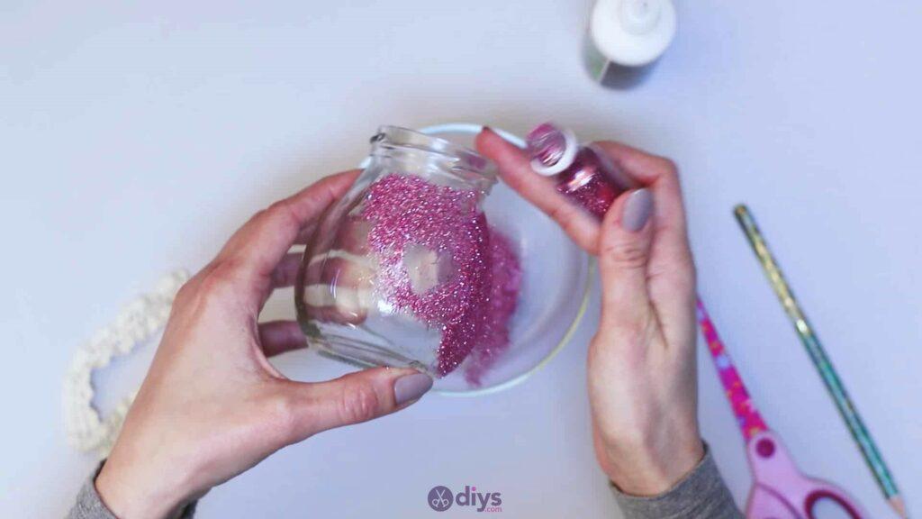 Vase à paillettes de fleurs bricolage à partir de bocaux en verre Étape 6e