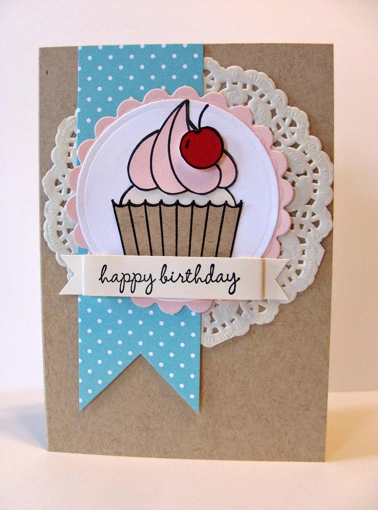 Carte de petit gâteau de napperon en papier