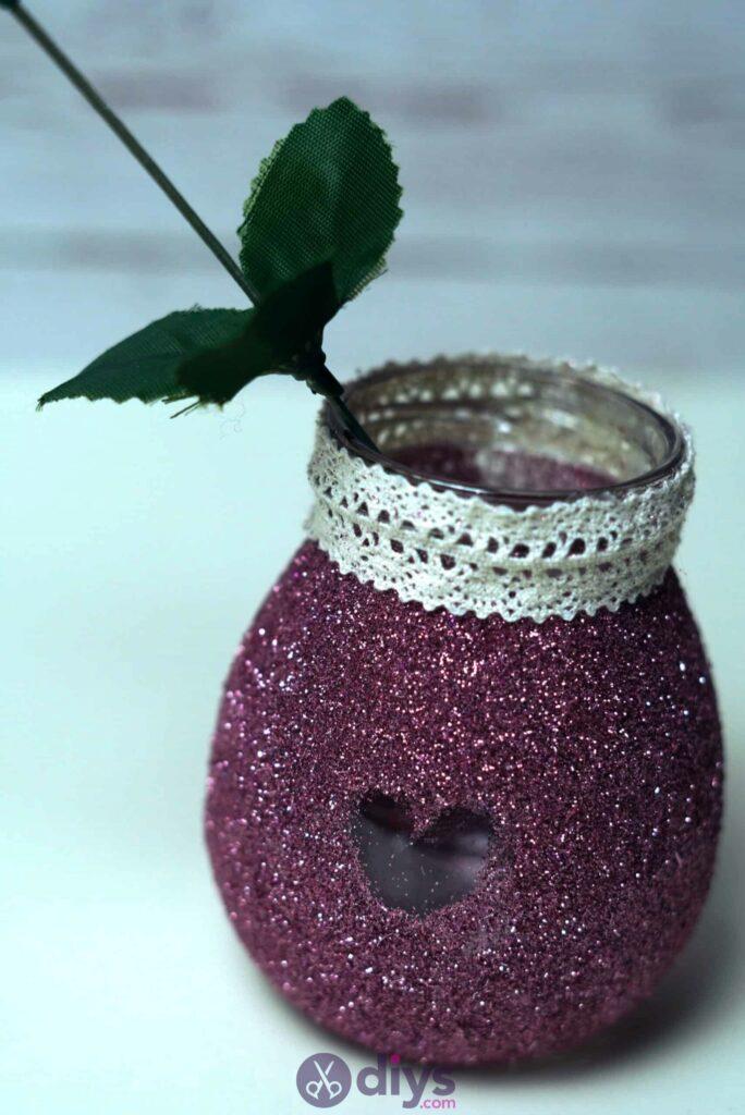 Vase à paillettes de fleurs bricolage à partir de bocaux en verre simples