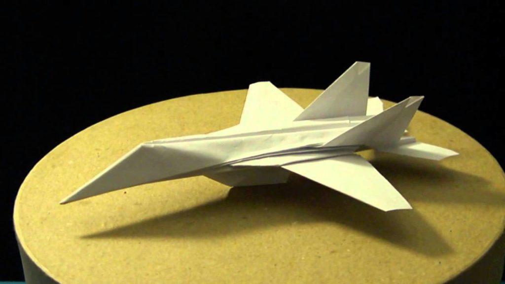 Avion en origami F 18 Hornet