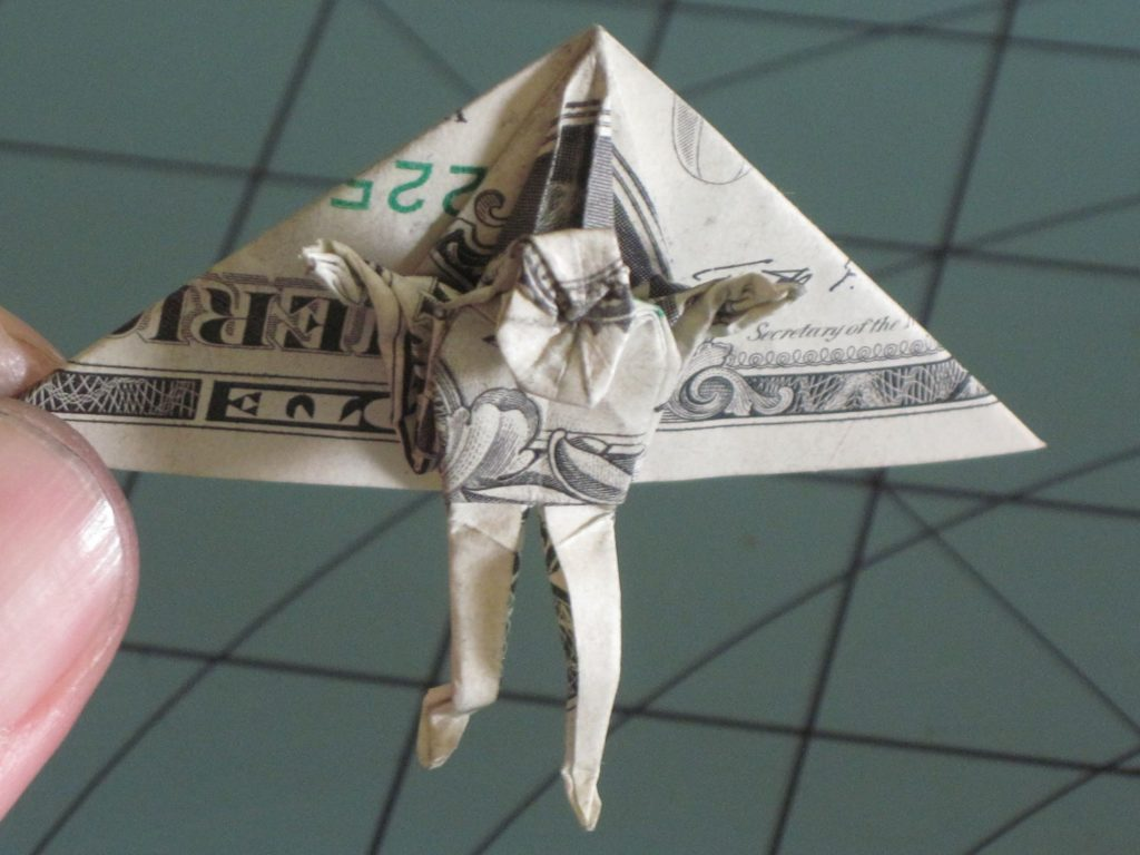 Deltaplane origami dollar