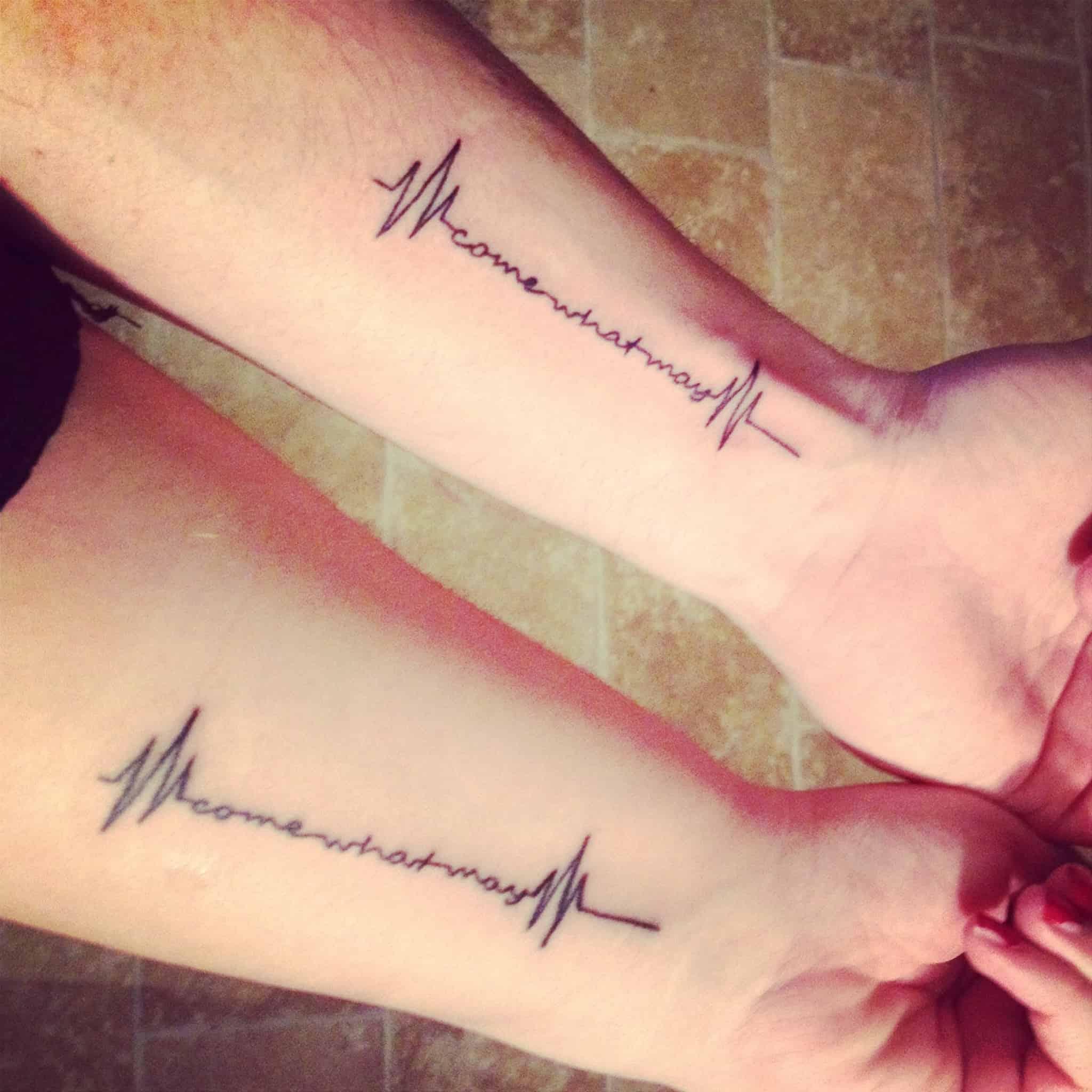 Idée de mariage de tatouage de battement de coeur