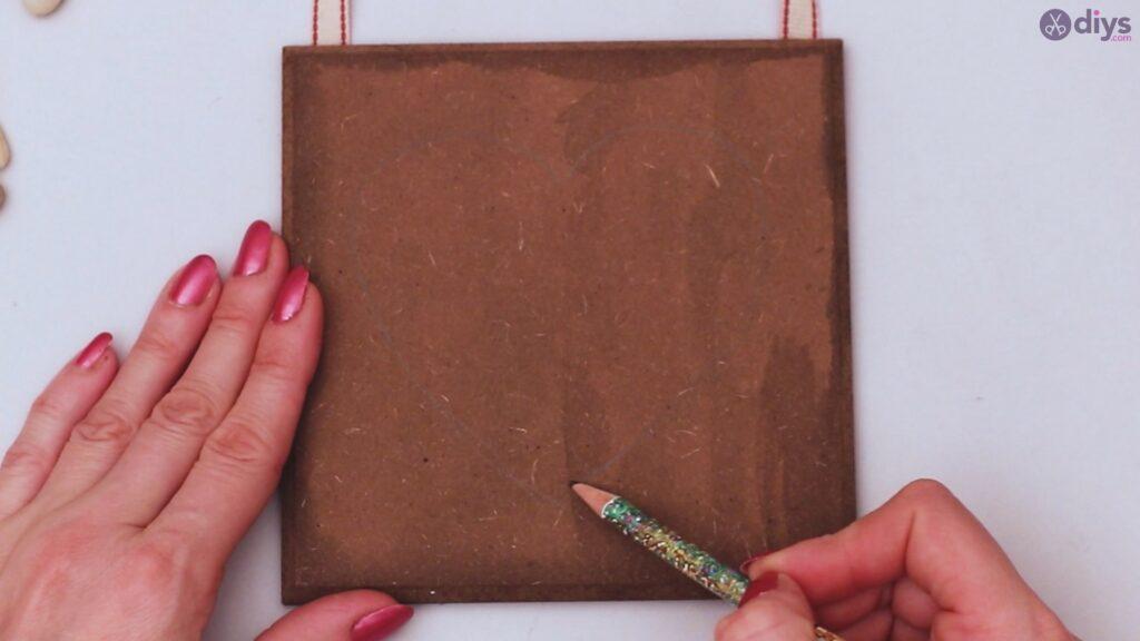 Décoration murale coeur galet (10)