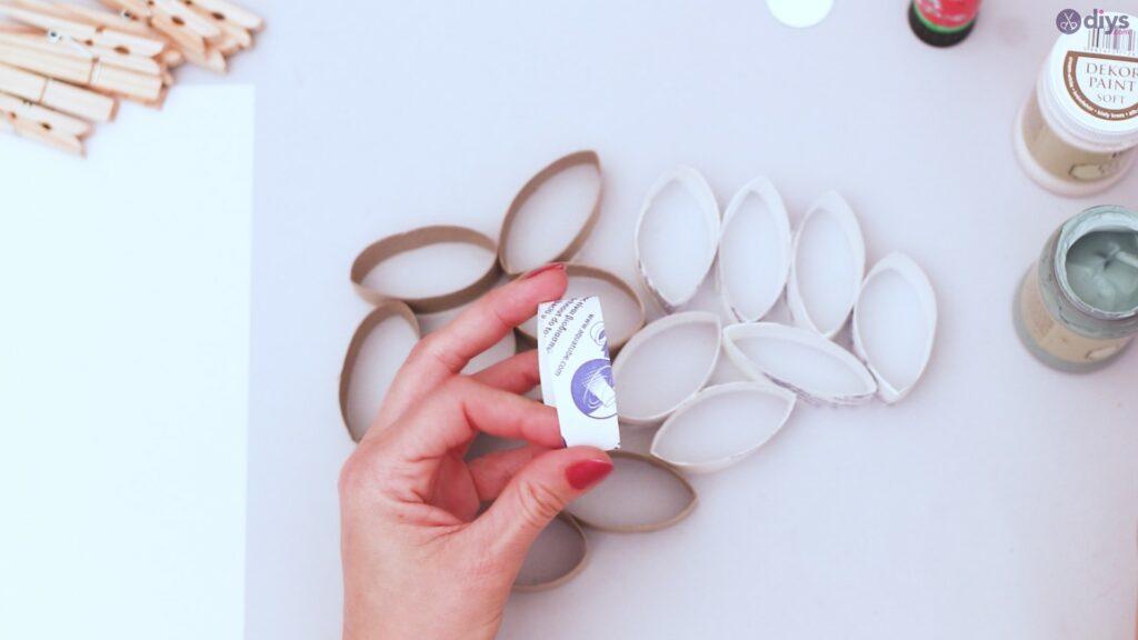 Projet de bricolage de décoration murale en rouleau de papier toilette (6)