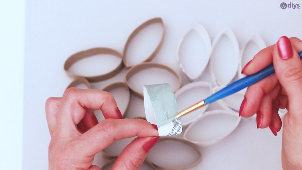 Projet de bricolage de décoration murale rouleau de papier toilette (8)