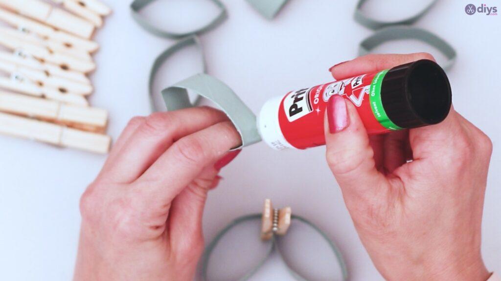 Projet de bricolage de décoration murale rouleau de papier toilette (18)