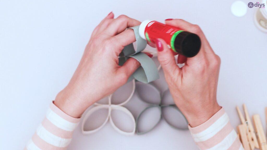 Projet de bricolage de décoration murale rouleau de papier toilette (38)