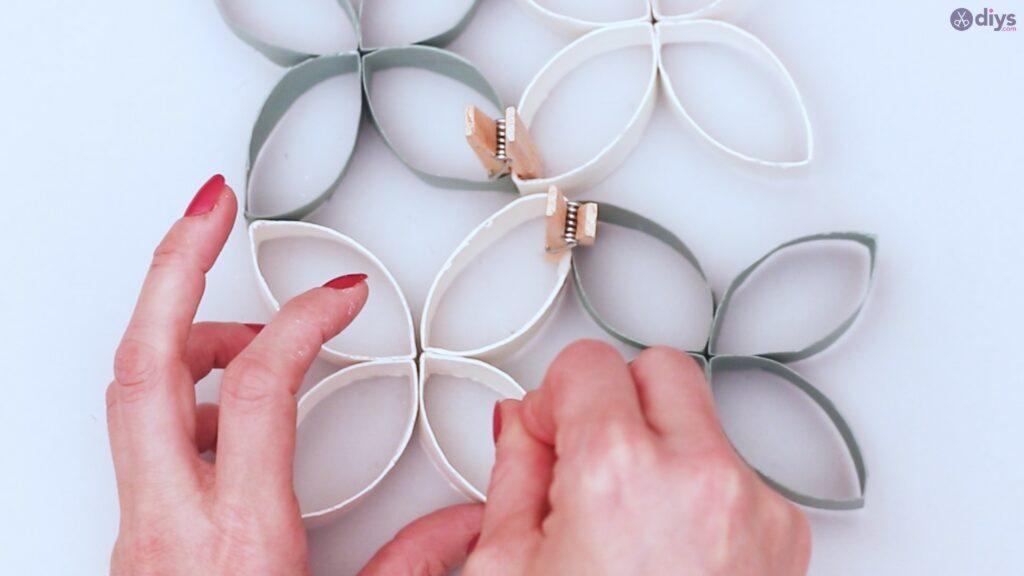 Projet de bricolage de décoration murale rouleau de papier toilette (42)