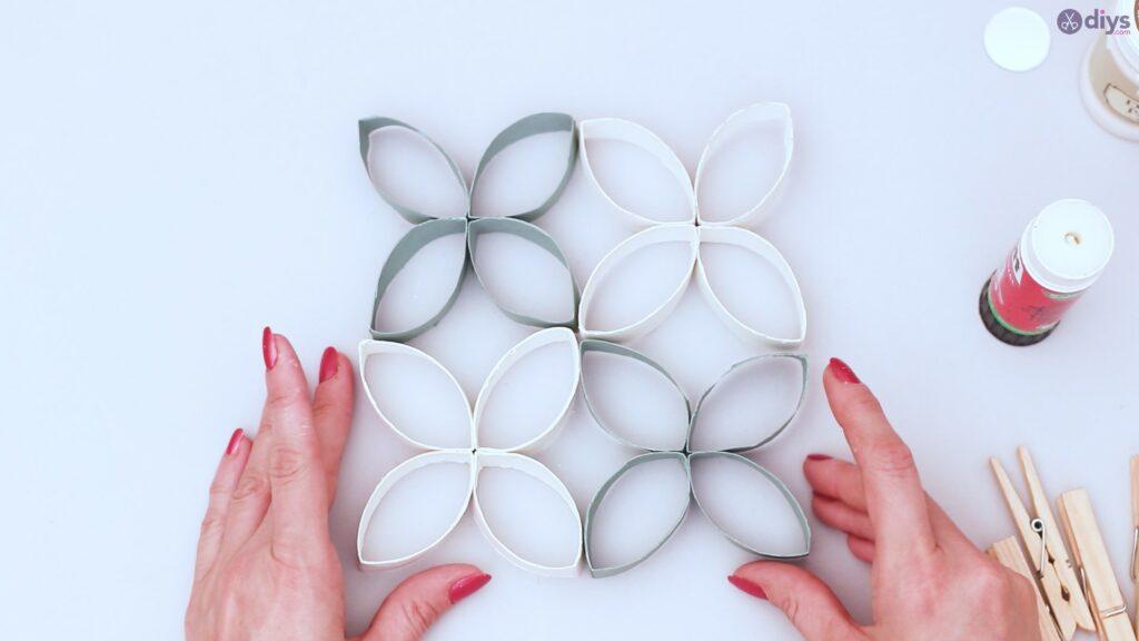 Projet de bricolage de décoration murale rouleau de papier toilette (37)